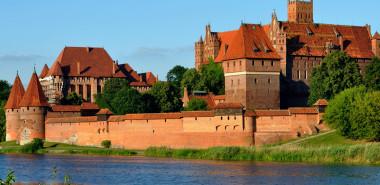 Poland, the Heart of Europe: Krakow, Warsaw, Torun & Gdansk