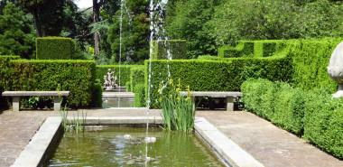 Gardens of Italy: The Italian Lakes, the Piedmont, Tuscany, Umbria & Rome