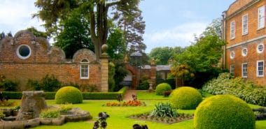 Great Castles, Country Houses & Gardens of Yorkshire, Derbyshire and Wales