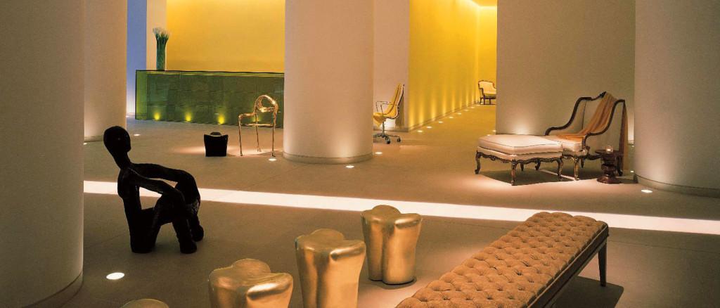 Lobby of St Martins Lane Hotel, London designed by Philippe Starck. Courtesy: St Martins Lane Hotel